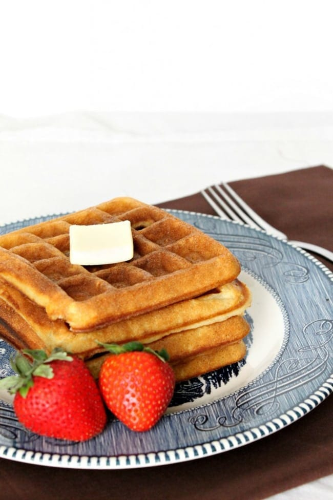 Classic Buttermilk Waffles from Natural Chow // That's Fresh Friday Link-Up at The Speckled Palate
