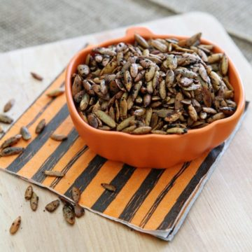 Roasted Pumpkin Seeds // The Speckled Palate