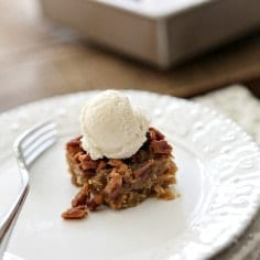 Blogsgiving Progressive Dinner AND Comfort in 1: Drunken Pecan Pie Bars // The Speckled Palate