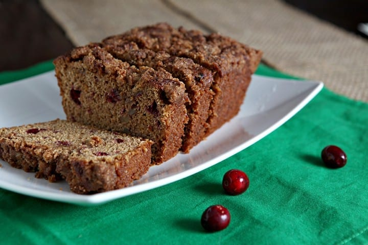 Holiday Breakfast: Cranberry Walnut Bread with Streusel Topping // The Speckled Palate