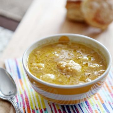 Roasted Cauliflower Cheddar Soup // @speckledpalate