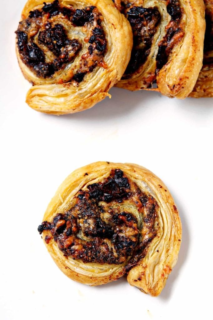 Pesto and Sun-Dried Tomato Pinwheels   Looking for a party app that feeds a crowd and is delicious? These Pesto and Tomato Pinwheels, stuffed with pesto (homemade or store-bought!), sun-dried tomatoes and parmesan cheese, are the perfect starter! @speckledpalate for @mycookingspot