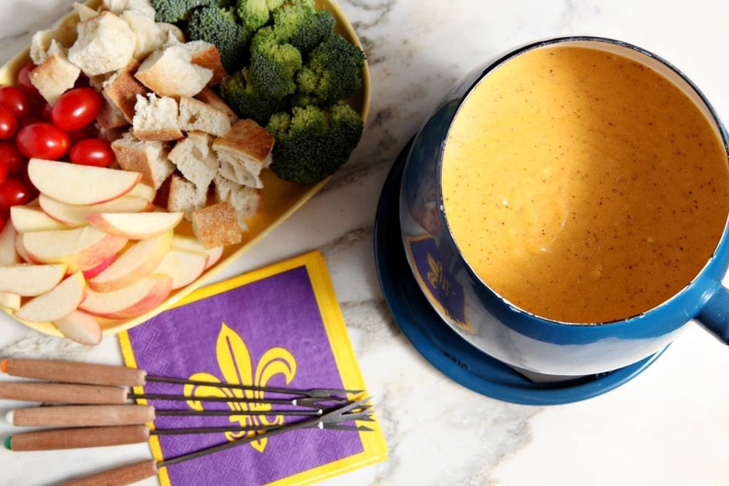 Fondue is not just for dinner parties anymore! Using Kraft Natural Cheese Finely Shredded Sharp Cheddar, whip up delicious, simple Spicy Cheddar Fondue to enjoy while watching the big game. #NaturallyCheesy #CollectiveBias #ad