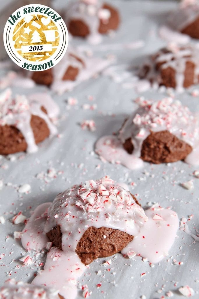 Chocaholic? Peppermint lover? These Peppermint Brownie Drop Cookies are for you! The rich brownie cookies are crisp on the outside and gooey on the inside, and the peppermint icing adds a sweet mint flavor to finish these cookies.