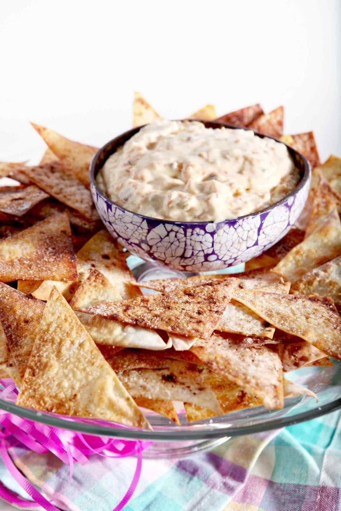 Whip up Carrot Cake Dip with Crispy Cinnamon-Sugar Wontons this spring! This dip makes the ultimate sweet treat that's perfect an Easter get-together! #recipe #spring #carrotcake #dessert