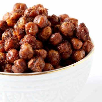 Combat afternoon hunger by munching on a handful of vegan, gluten-free Crispy Taco Spiced Chickpeas! They make for a quick, spicy afternoon pick-me-up snack!