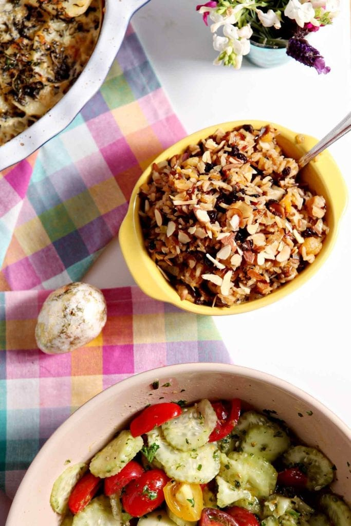 We just LOVE this Wild Rice Salad with Dried Fruit and Almonds! #vegan #recipe #sidedish #holiday