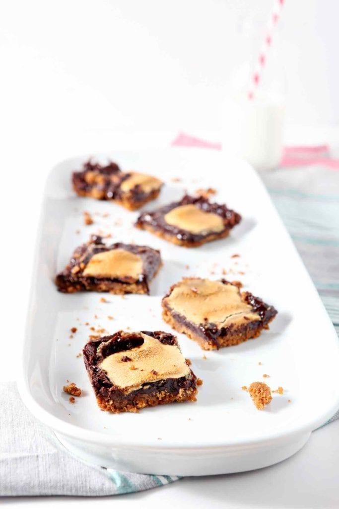 smore bar recipe | mint smores | mint dessert | smores bar | summer dessert | winter dessert | minty dessert | national smores day dessert