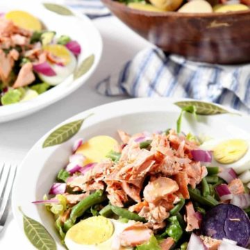 Close up of two bowls of Salmon Niçoise Salad
