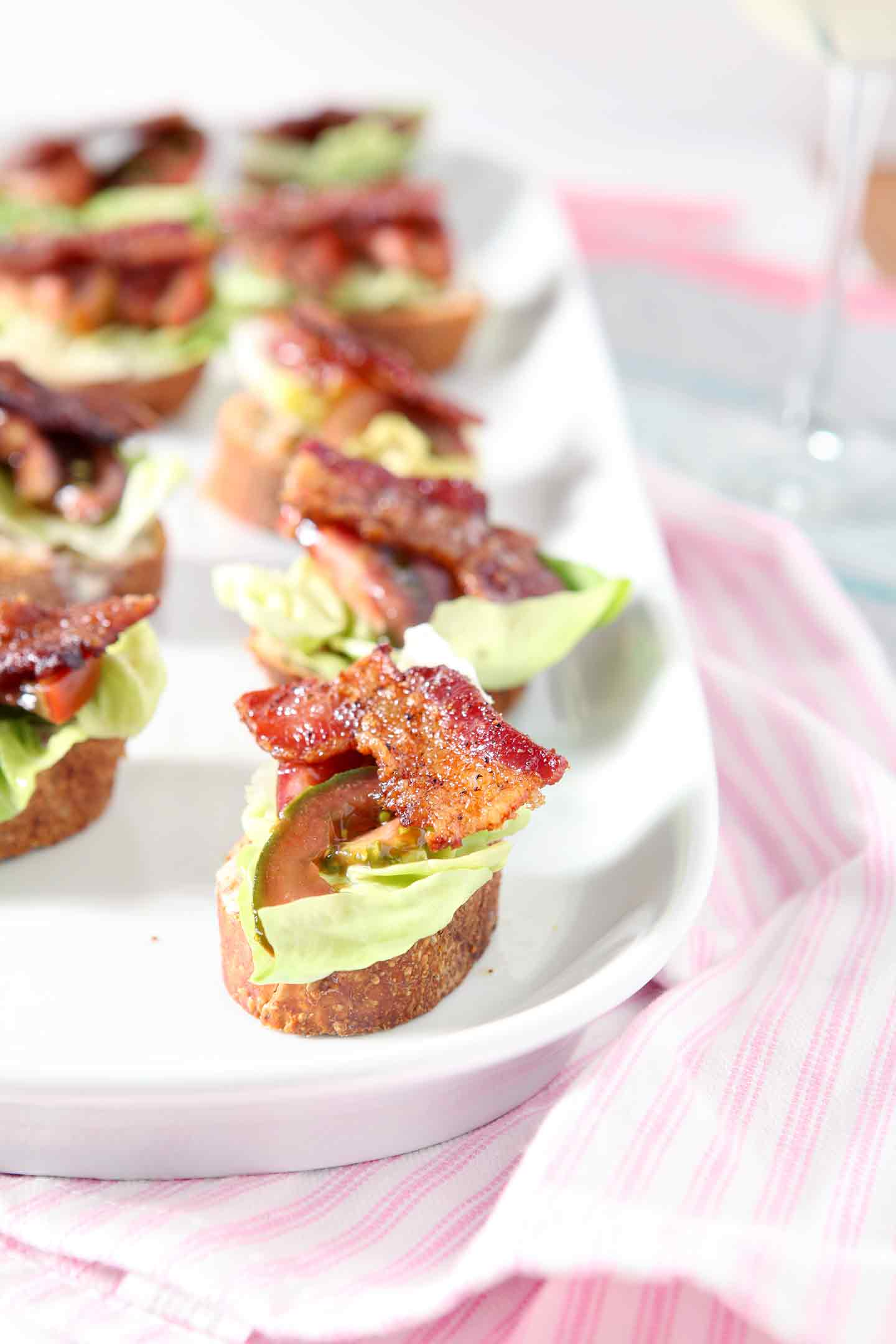Stumped over what to make for the party? This BLT Bruschetta is a crowd favorite! | Easy Appetizer | Tailgate Food | Baby Shower Recipe | Bridal Shower Food | Handheld Food | Bruschetta Recipe