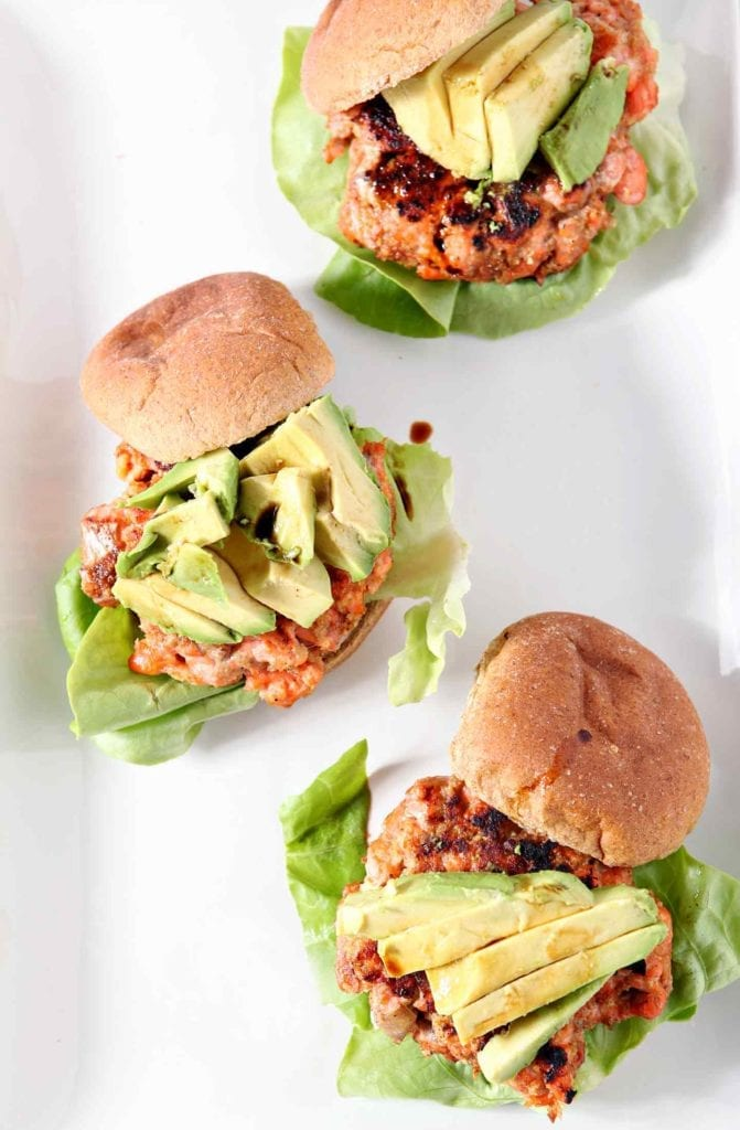 Fire up the grill and serve Classic Salmon Burgers tonight! These simple salmon burgers highlight the freshness and flavor of Alaskan sockeye salmon. | Salmon Burger | Salmon Recipe | Fish Burger | Homemade Burgers | Unique Burger | Simple Burger