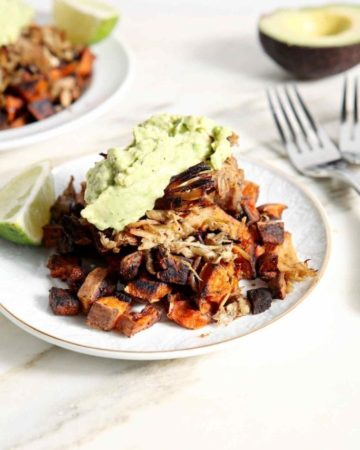 Whole30 Dinner | Easy Entrée | Slow Cooker Meal | Slow Cooker Dinner | Slow Cooker TexMex | Carnitas Recipe | Easy Carnitas | Gameday Food | Tailgate Food | Easy Meal