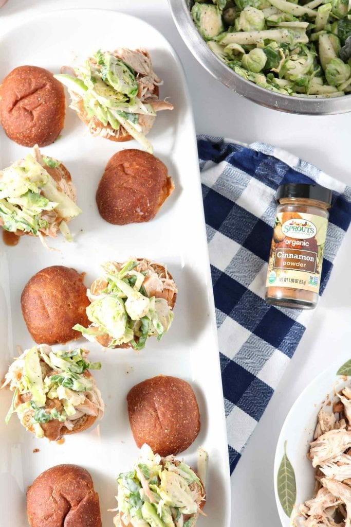 AD | Tailgate Recipe | Slider Recipe | Chicken Sliders | Applesauce Chicken | Weeknight Dinner | Slow Cooker Meal | Fall Meal | Fall Dinner | Entertaining Dinner | Entertaining Entrée | Easy Entree