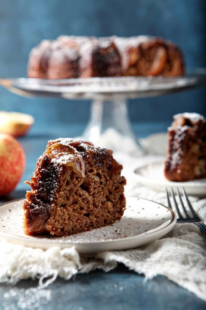 Fall Dessert | Apple Cake | Apple Spice Cake | Fall Upside Down Cake | Easy Upside Down Cake | Apple Dessert | Thanksgiving Dessert | Fall Dessert | Holiday Dessert | Fall Dinner Party