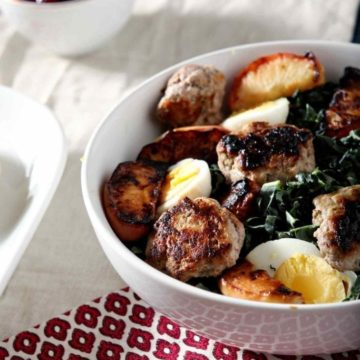 Thanksgiving Brunch | Thanksgiving Salad | Thanksgiving Breakfast | Thanksgiving Salad Recipe | Brunch Salad | Sausage Salad | Winter Kale Salad | Easy Brunch Salad | Brunch Salad Recipe